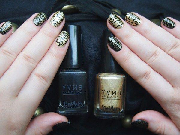 Дуэт чёрного и золотого лака на ногтях