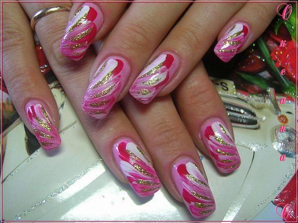 Идея розового маникюра