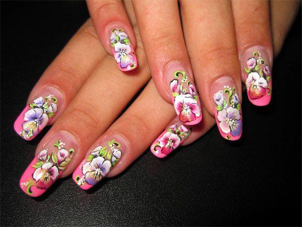 Дизайн ногтей с цветочным рисунком