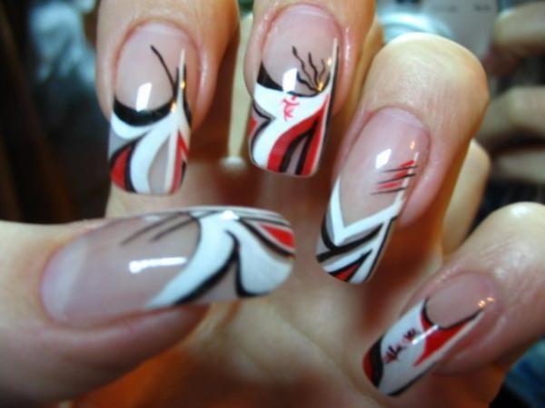 Сочетание трех цветов в дизайне ногтей
