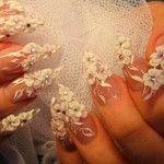 Дизайн ногтей с белыми цветами