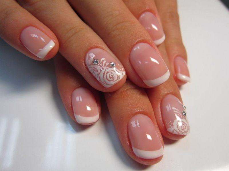 Делаем шеллаком свадебный маникюр на короткие ногти