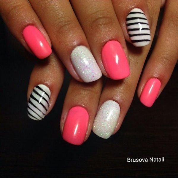 Бело-розовый маникюр для нежной женской натуры