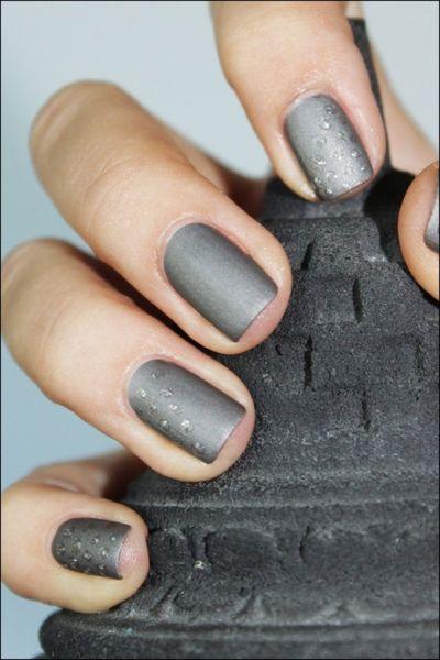 Маникюр серого цвета