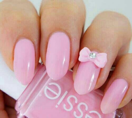 Розовый лак