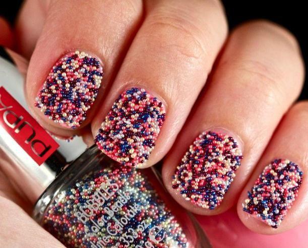 Яркий дизайн ногтей для Нового года