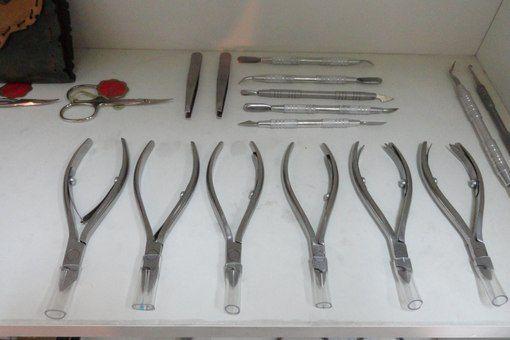 Маникюрные кусачки для ногтей и кутикулы