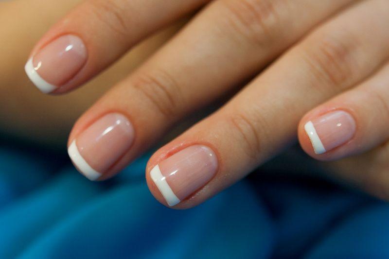 Что можно, а чего нельзя делать с ногтями беременным женщинам?