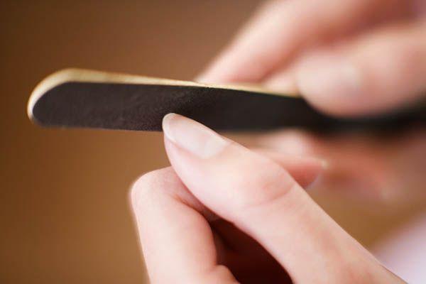 Эффективность шабера, пушера и апельсиновых палочек в маникюре