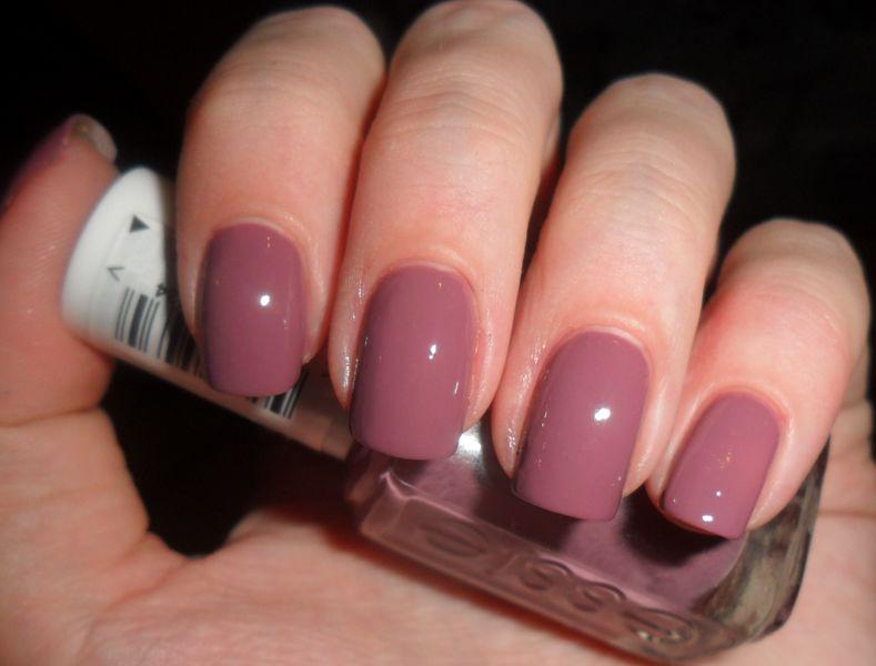 Лаки для ногтей Essie (Эсси): палитра и особенности