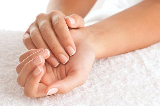 Заболевания ногтей на руках и ногах: симптомы, фото, лечение