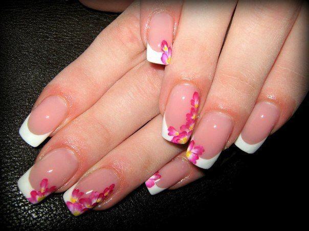 Рисунок орхидеи на ногтях: фото нежного цветочного маникюра