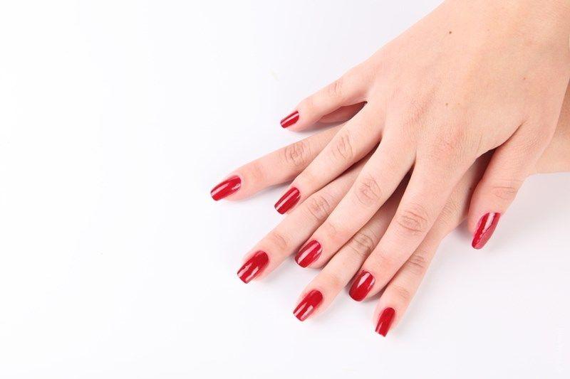 Почему лак пузырится на ногтях, и чем его можно разбавить?