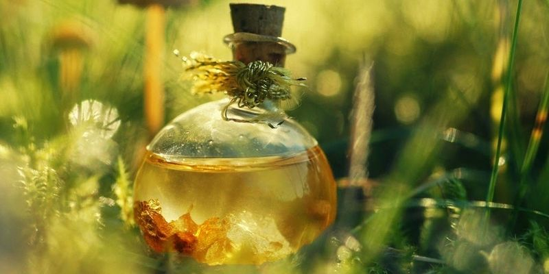Используем касторовое масло для роста ресниц