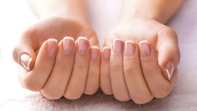 Выбор лака для укрепления и восстановления ногтей