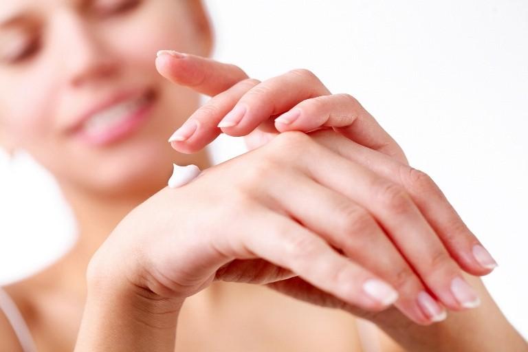 Домашние народные рецепты по уходу за руками и ногтями