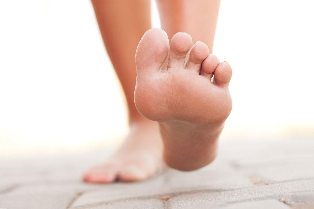 Для профилактики грибка на ногтях ног