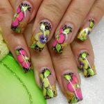 Цветочный дизайн нарощенных ногтей лето 2017