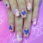 Цветы и бабочки на ногтях