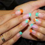 Вариант оформления нарощенных ногтей