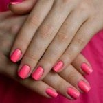 Маникюр розового цвета