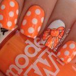 Яркий оранжевый маникюр 1