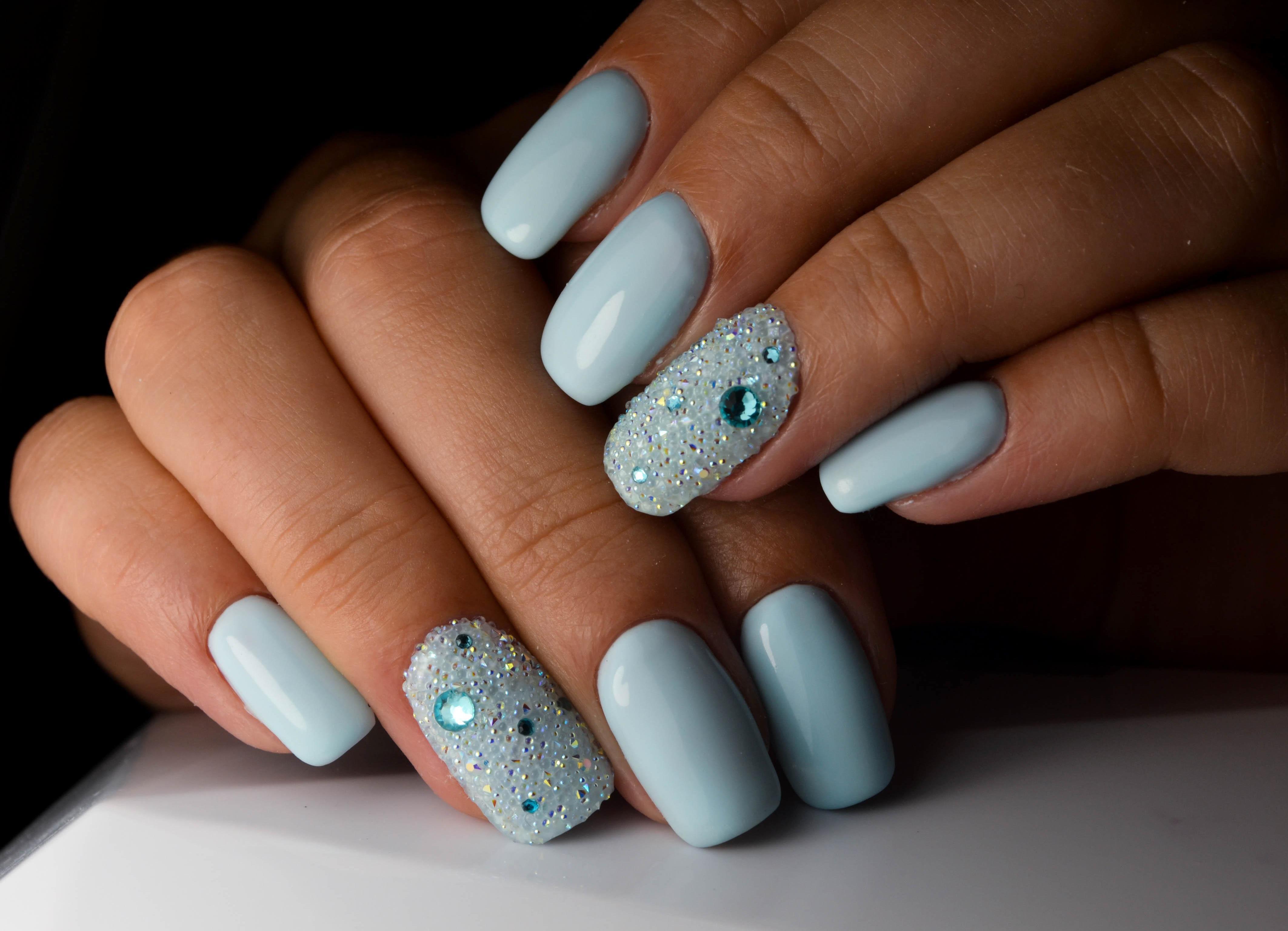 Оформление и декорирование ногтей в домашних условиях