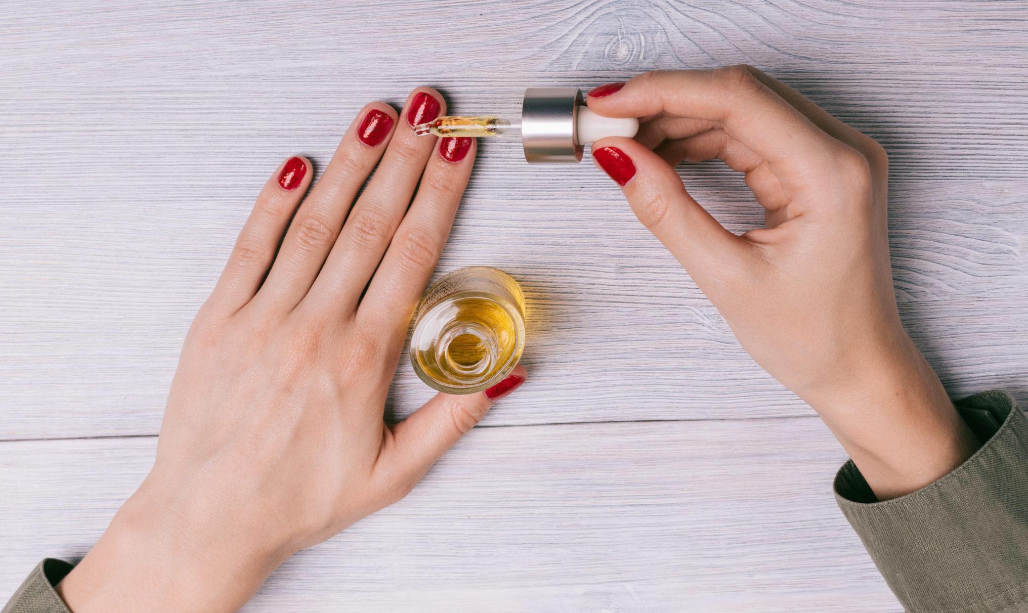 Масло для кутикулы: как увлажнять и питать ногти в домашних условиях
