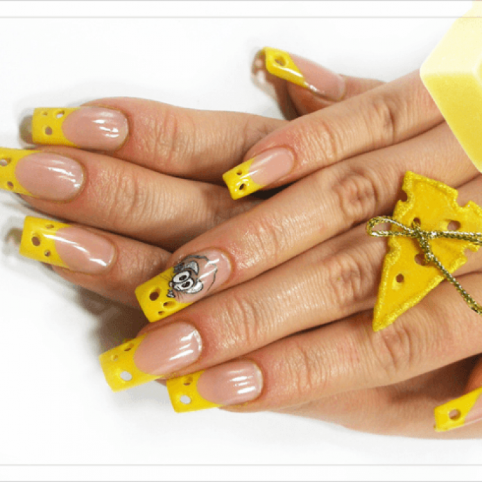 Необычный френч желтого цвета