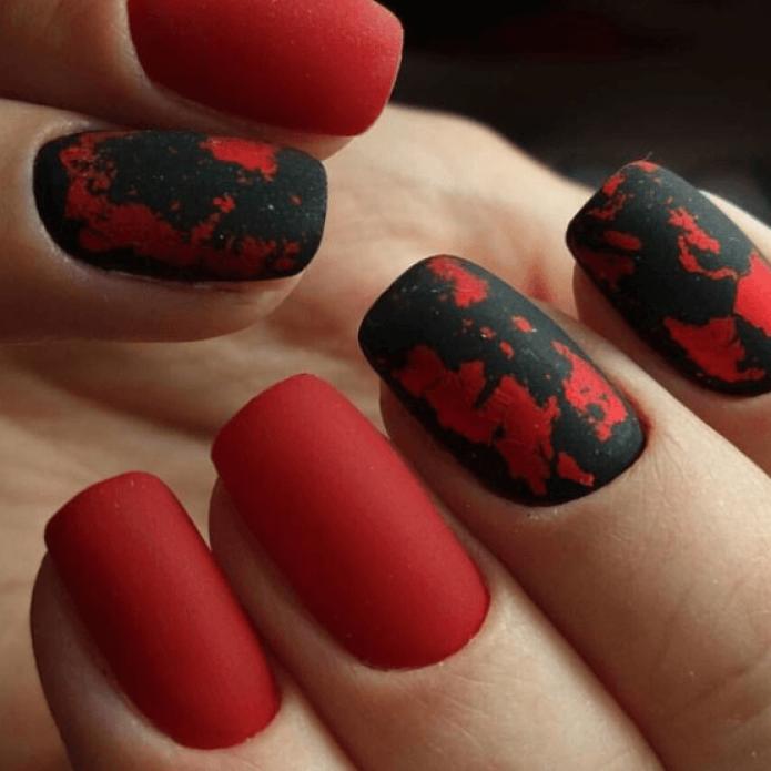Оригинальный красно-черный маникюр