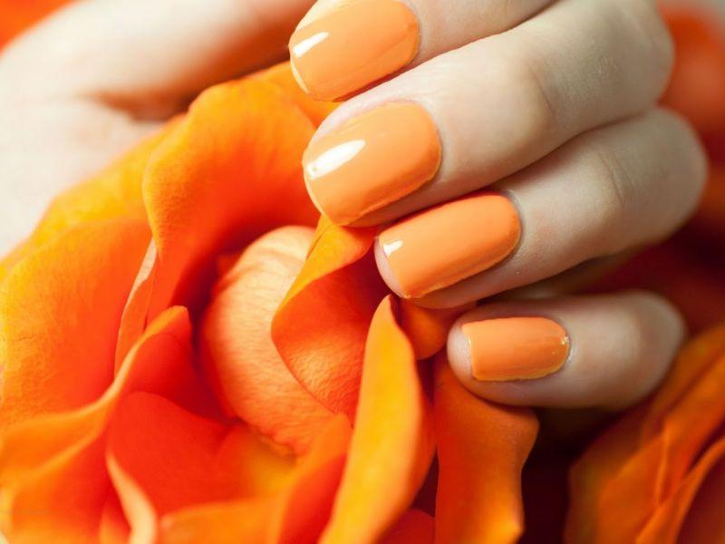 Яркий оранжевый: 25 вариантов маникюра