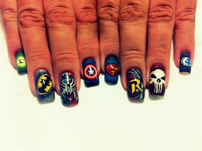 Дизайн ногтей в стиле Marvel и DC