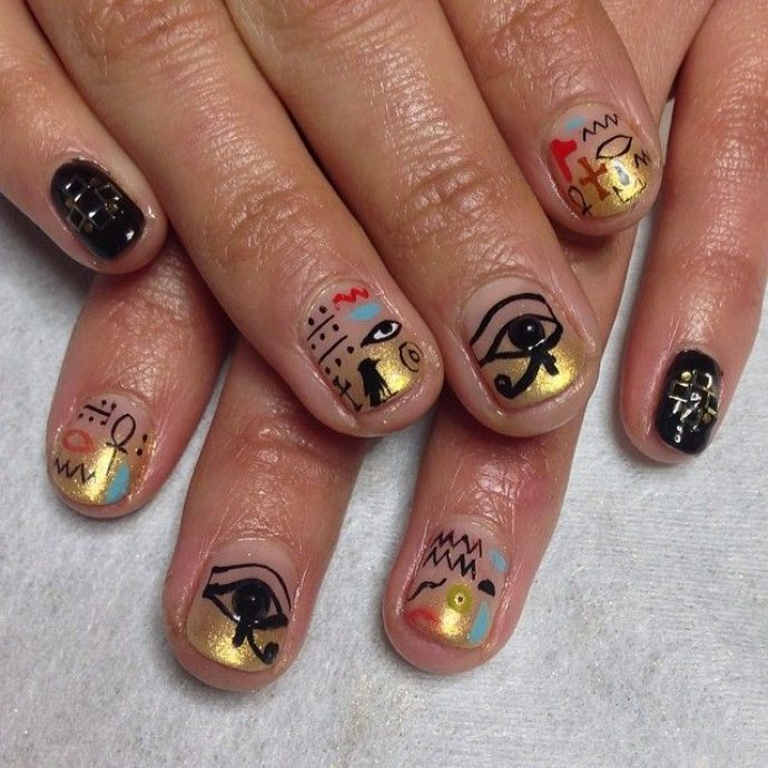 Египетские рисунки и символы на ногтях