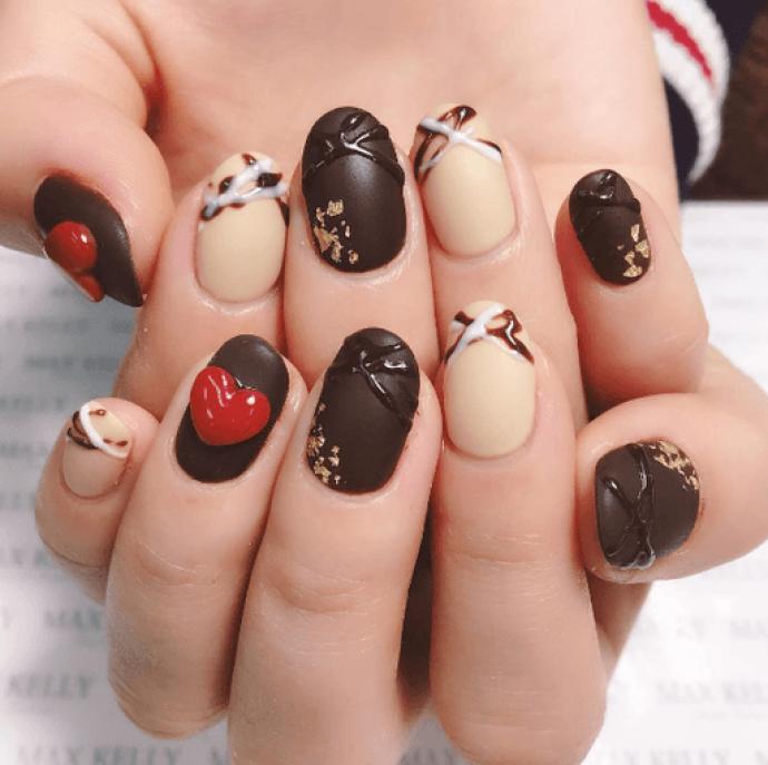 Шоколадный маникюр