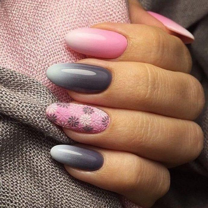 Маникюр омбре розовый с серым