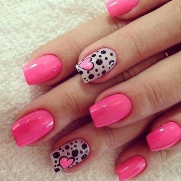 Очеровательный розовый с черным дизайн ногтей