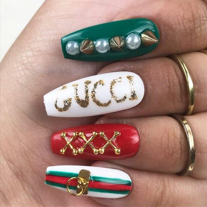 Дизайн ногтей в стиле Гуччи