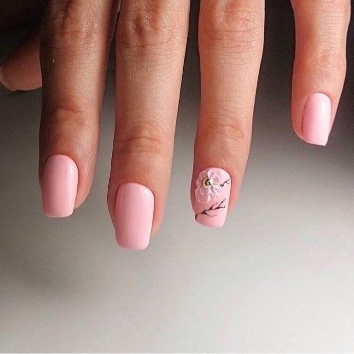 Маникюр нежно-розового цвета