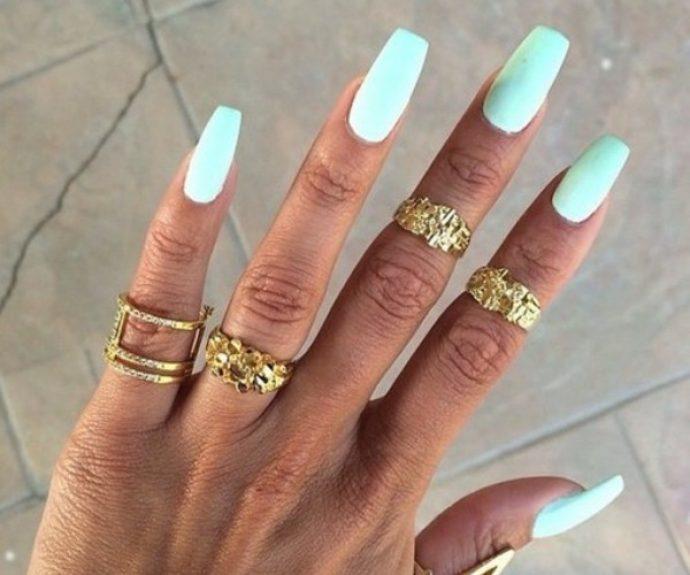 Маникюр мятного цвета на длинные ногти