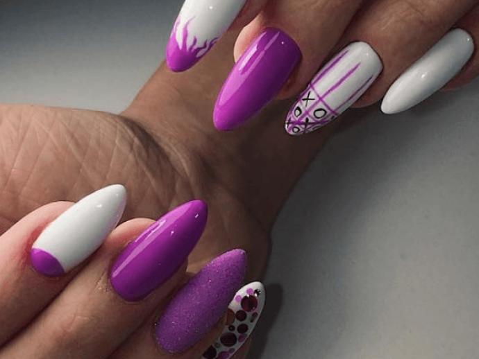 Маникюр фиолетовый с белым на заостренные ногти