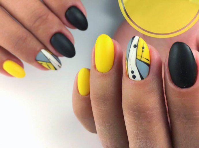 Маникюр черный с желтым