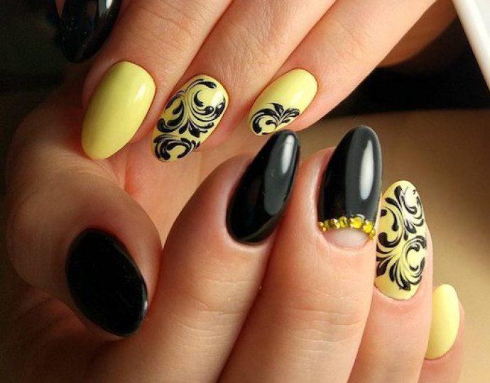 Идея желтого маникюра с черным