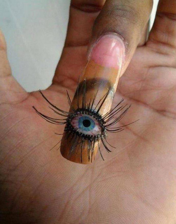 Ужасный дизайн ногтей