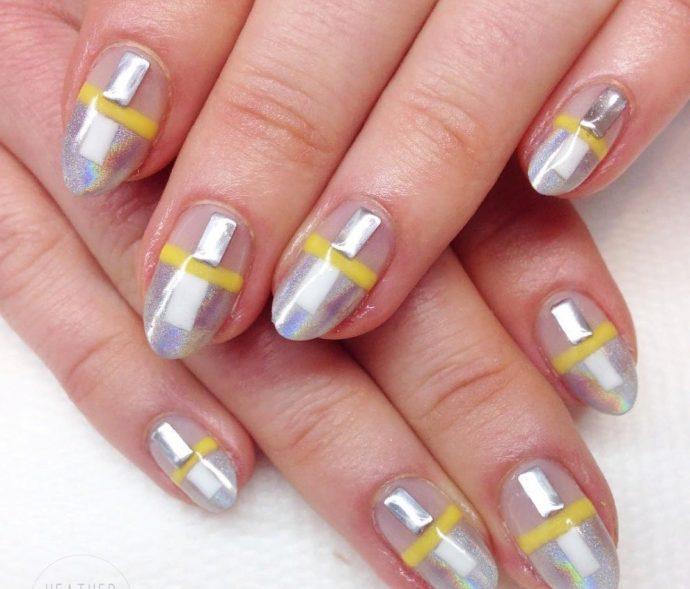 Контуринг ногтей серебристый с желтым
