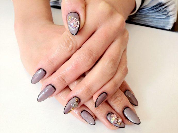 Контуринг ногтей серый с черным