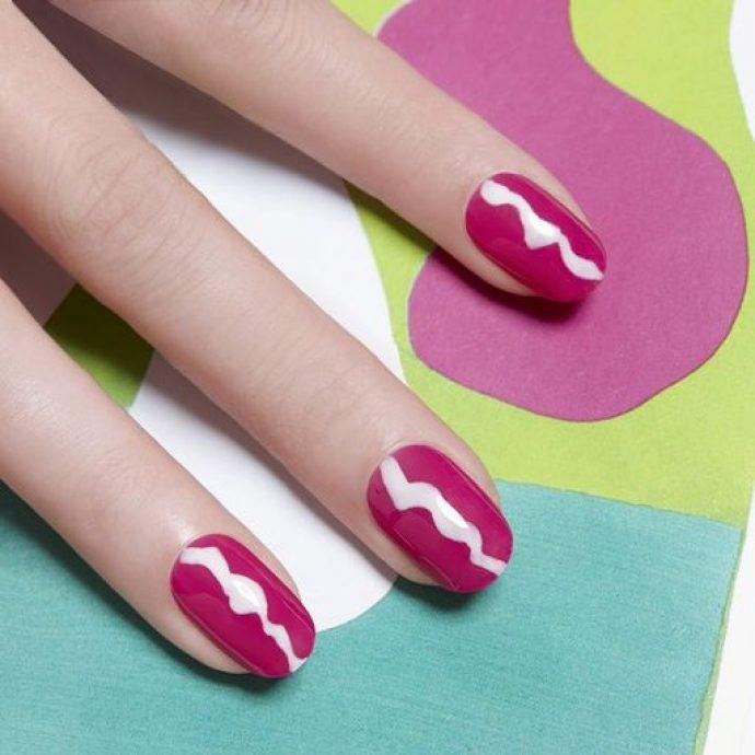 Контуринг ногтей цвета фукции с белым