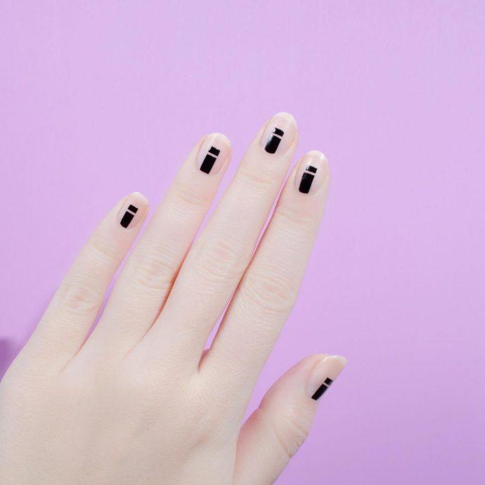Контуринг ногтей черный с прозрачным