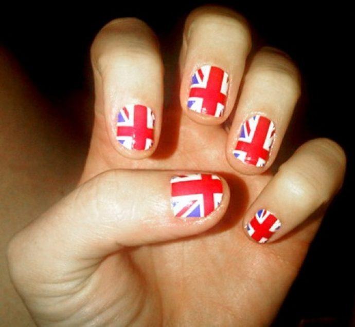 Маникюр Кэти Перри с флагом Великобритании