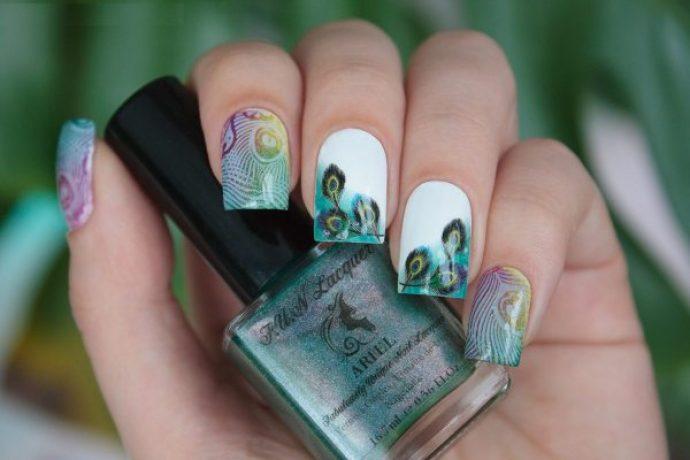 Дизайн ногтей с пером