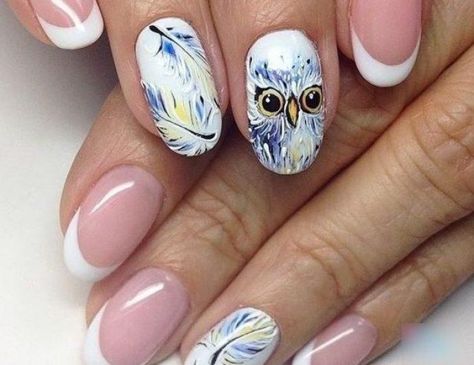 Маникюр с пером и птицами